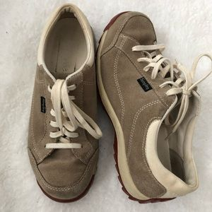Simple Women's Shoes Sz 7
